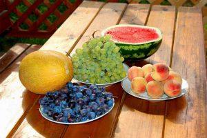 Обилие фруктов и овощей